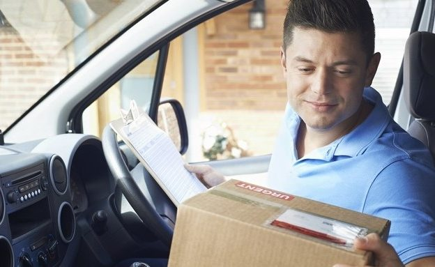 courier-delivery-velhice
